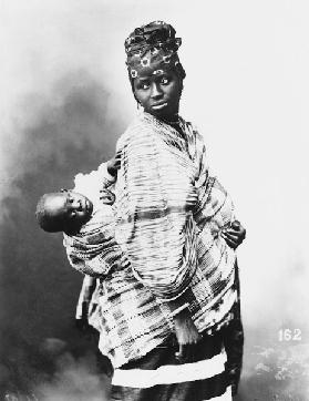 Senegalese Mother and Child, c.1900 (b/w photo)