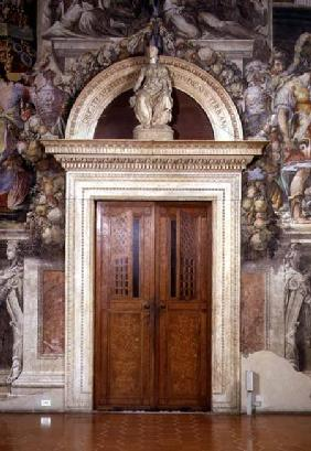 Door frame in the Sala dell'Udienza crowned with a figure of Justice