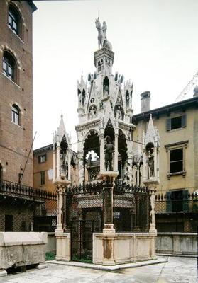 Funerary monument of Cansignorio Della Scala (1340-75) (photo)