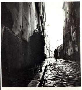 Portrait of Edith Piaf (1915-63) in Paris (b/w photo)