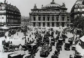 Traffic in front of the Paris Opera House, 1890-99 (b/w photo)