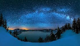 Starry night over the Crater Lake