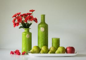 Red and Green with Apple and Pears