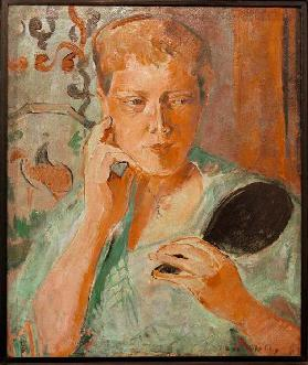 Portrait Margarethe with black hand mirror