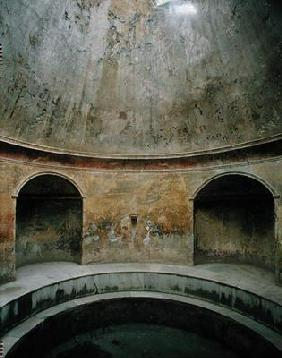 View of the interior of the frigidarium at the Thermae of the Forum (photo)